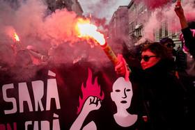 تظاهرات روز جهانی زن در شهر ناپل ایتالیا