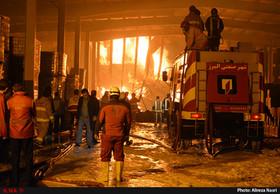 مهار آتش سوزی شرکت ایران چسب در شهرصنعتی البرز