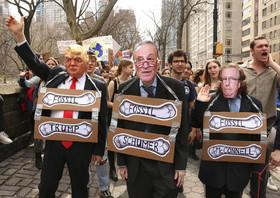 تظاهرات دانشآموزان و دانشجویان با شعار ضرورت حرکت جدیتر دولتمردان جهان برای جلوگیری از تاثیرات بیشتر تغییرات اقلیمی