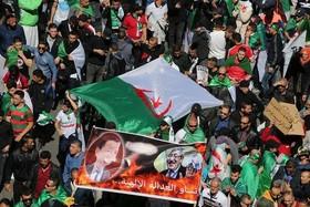 """تظاهرات بزرگ مخالفان در اعتراض به """"عبدالعزیز بوتفلیقه"""" رییس جمهوری الجزایر در شهر """"الجزیره"""
