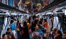 دیروز – جمعه - خطوط مترو شهر کاراکاس ونزوئلا پس از بیش از یک هفته تعطیلی دوباره آغاز به کار کرد.