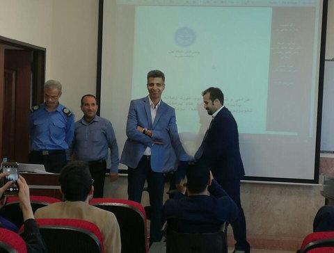 تصویری از عادل فردوسیپور در جلسه دفاع دکتری