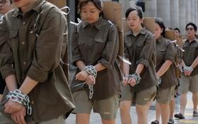 (تصاویر)  اعتراض دانش آموزان هنگ کنگی به دخالت چین در قوانین اداره خودمختار این منطقه تحت کنترل چین