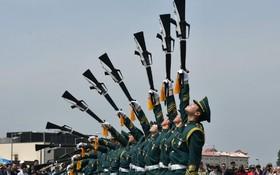 (تصاویر)  رژه نظامی در کره جنوبی در پیونگ یانگ