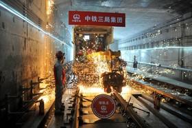 (تصاویر)  کارگران در حال ساخت مترو در گوانگ زو در چین