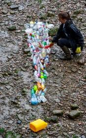 (تصاویر)  حرکت اعتراضی برای کاهش مصرف پلاستیک در لندن انگلیس