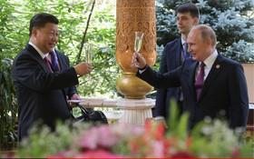 (تصاویر) جشن تولد شی جی پینگ که ولادیمیرپوتین برای وی در روسیه برپاکرده است