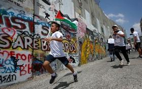 (تصاویر) مسابقه دو برای آزادی در کنار دیوار حایل شهر بیت الهم در فلسطین