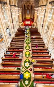 (تصاویر) تزئین یک کلیسا در انگلیس