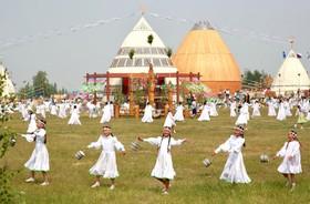 (تصاویر) جشن سال نو اقوام یاکوت در یاکوتسک در روسیه