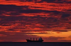 (تصاویر) غروب خورشید در منطقه ساحلی انگلیس