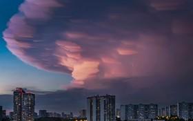 (تصاویر) ابرهای بارانی بر فراز مسکو روسیه