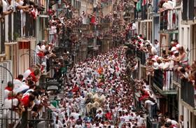 (تصاویر) جشن گاو دوانی در پامپلونا در اسپانیا