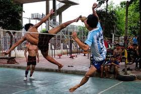 (تصاویر)والیبال با پا در تایلند که ورزشی سنتی و رایج است