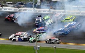 (تصاویر) مسابقات اتومبیل رانی دیتونا در فلوریدای آمریکا