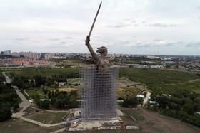 (تصاویر) مجسمه ای موسوم به مام میهن که برای یادبود جنگ دوم جهانی در ولگاگراد در روسیه ساخته می شود و تا سال 2020 قرار است خاتمه یابد