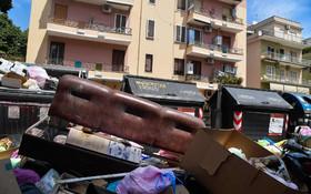 (تصاویر) انباشت زباله در خیابان های رم در ایتالیا