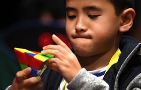 (تصاویر) رقابت های حل مکعب روبیک در ملبورن استرالیا  که هر دوسال برگزار می شود و نزدیک به هزار نفر در آن شرکت می کنند