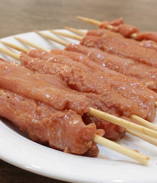خوراک مرغ چوبی