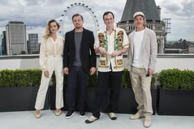 (تصاویر) مارگوت روبی لئوناردو دیکاپریو کوئینتین تارانتینو و برد پیت در مراسم فیلم روزی روزگاری در هالیوود در لندن انگلیس