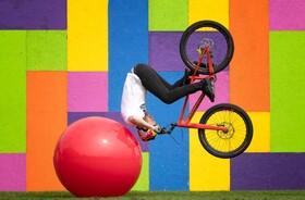 (تصاویر) نمایش دوچرخه سواری در ادینبورگ اسکاتلند
