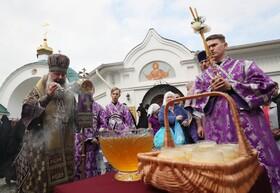 (تصاویر) یکاترین برگ در روسیه و جشن تقدیس عسل در این شهر