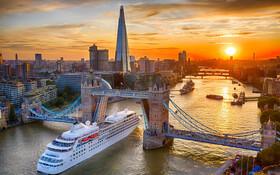 (تصاویر) عبور کشتی مسافری از رودخانه تیمز لندن