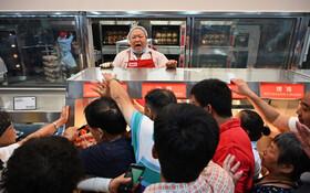 (تصاویر) افتتاح فروگاه عرضه مرغ بریان شرکت بزرگ کاست کو آمریکایی در چین که ارزان ترین مرغ بریان را تولید می کند