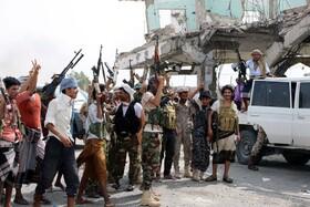(تصاویر) جدایی طلبان یمنی در عدن که برضد دولت حاکم می جنگند و خواهان جدایی یمن جنوبی از شمالی هستند