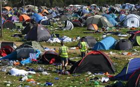 (تصاویر) بقایای وسایل شرکت کنندگان در جشنواره ای در انگلیس