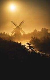 (تصاویر) نمایی از آسیاب بادی در هلند