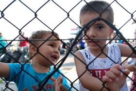 (تصاویر) کودکان مهاجر در اردوگاهی در لسبوس در یونان