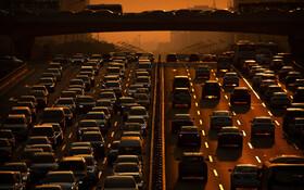 (تصاویر) شلوغی و تراکم ترافیک در پکن در چین در بزرگراهی که از طرف مقامات این کشور بی سابقه توصیف شده است
