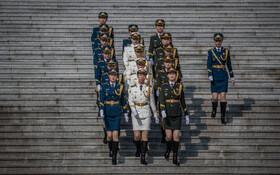 (تصاویر) گارد احترام در چین برای استقبال از آنگلامرکل صد اعظم آلمان آماده می شود