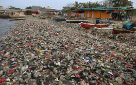 (تصاویر) انباشت پلاستیک در بندر لامپونگ در اندونزی