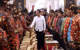 (تصاویر) دیدار رئیس جمهوری اندونزی در قصر ریاست جمهوری در جاکارتا با رهبران مذهبی غرب پاپوان