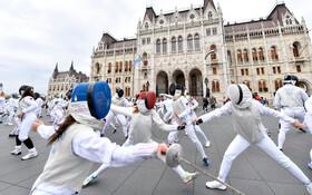 (تصاویر) روز جهانی شمشیربازی در بوداپست مجارستان