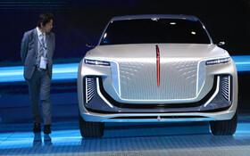 (تصاویر) محصولی از شرکت چینی فاو که خودرو برقی است که به صورت نمونه در نمایشگاه خودرو فرانکفورت عرضه شده است