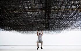 (تصاویر) آنتونی گورملی هنرمند انگلیسی در حال بررسی کار جدیدش به نام ماتریکس سه که بزودی در محل آکادمی سلطنتی در لندن به نمایش گذاشته می شود