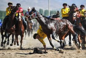 (تصاویر) مسابقه جهانی بزکشی در قیرقیزستان و رقابت نهایی