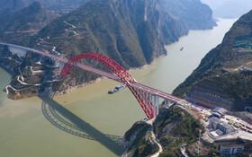(تصاویر)پل رودخانه یانگ تسه در چین که 883 متر طول دارد