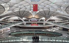 (تصاویر) افتتاح فرودگاه جدید چین در پکن به مناسبت هفتادمین سال روی کار آمدن حزب کمونیست در این کشور