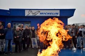 (تصاویر) تظاهرات اعتراضی کارگران شرکت میشلن در فرانسه به دلیل اعلام تعطیلی یکی از کارخانه های این شرکت با ششصدو ده کارگر
