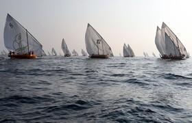 (تصاویر) رقابت کشتی های قدیمی در امارات
