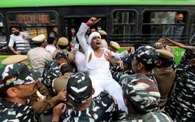 (تصاویر) تظاهرات علیه سیاست های بانکی دولت هند