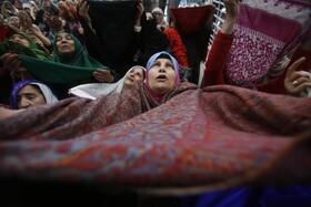 (تصاویر) مراسم مذهبی مسلمانان در کشمیر هند