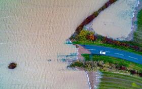 (تصاویر) تصویری دیدنی از بخشی از سیل در انگلیس