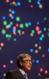 (تصاویر) بیل گیتس مدیر عامل شرکت خیریه گیتس در مراسمی در هند در حال سخنرانی