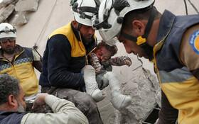 (تصاویر) نجات کودکی در ادلیب سوریه