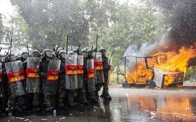 (تصاویر) مانور ضد تروریستی نیروهای امنیتی اندونزی